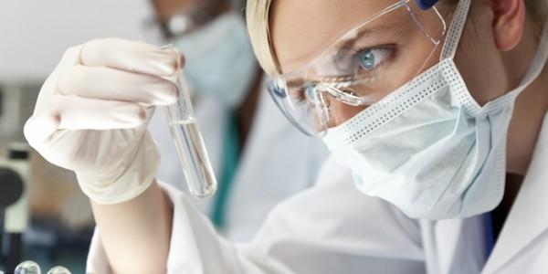 Problemi di Acne? la soluzione e i consigli dei dermatologi