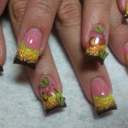 Nails-mania, in crescita nel Web l'acquisto di smalti per unghie!