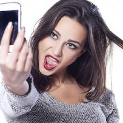 Il selfie non mi piace? mi ritocco. Nell'83% dei casi il paziente è donna (parola di Sicpre)